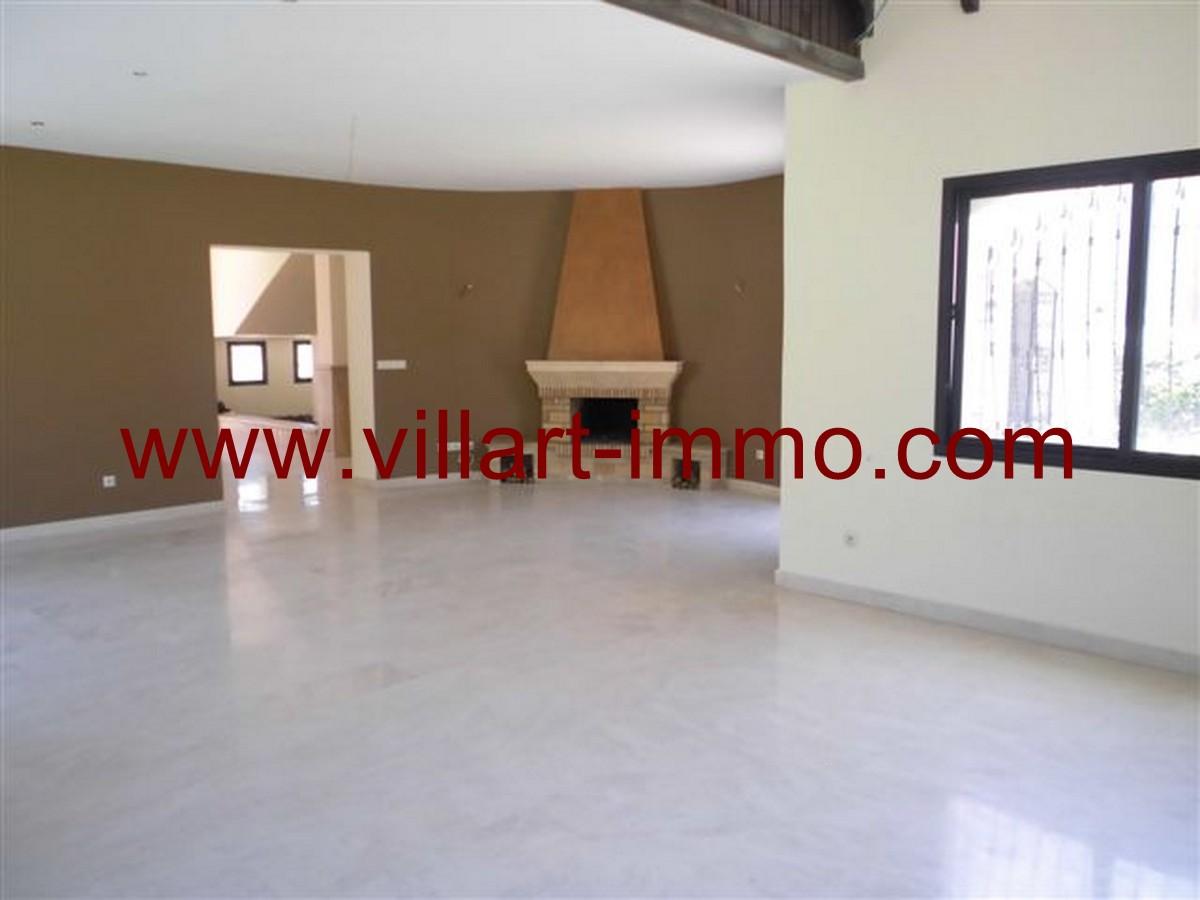3-Vente-Villa-Tanger-Malabata-Salon 1-VV140-Villart Immo