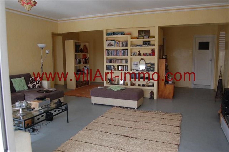 A louer spacieux appartement meubl avec tr s grande for Appartement meuble location