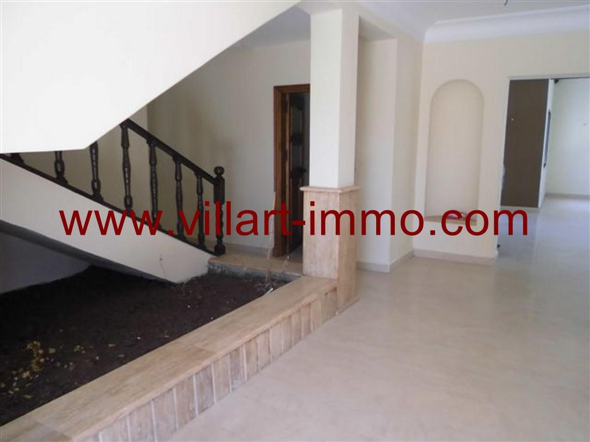 4-Vente-Villa-Tanger-Malabata-Salon 2-VV140-Villart Immo