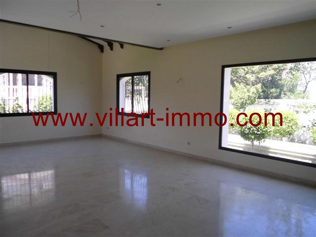 5-Vente-Villa-Tanger-Malabata-Salon 2-VV140-Villart Immo