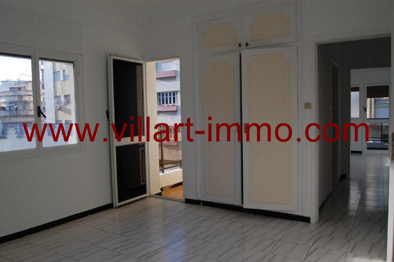 A louer appartement non meubl au centre ville de tanger for Appartement meuble location