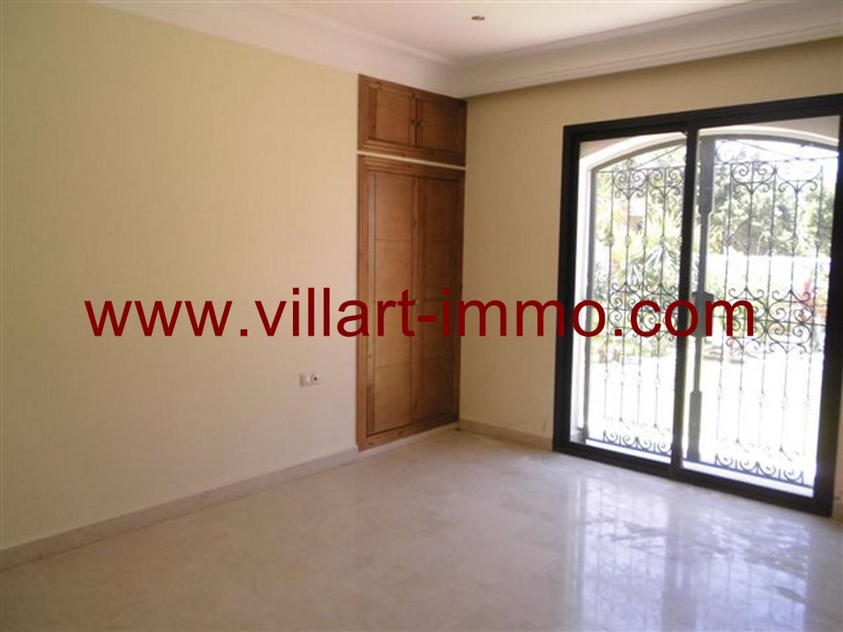 7-Vente-Villa-Tanger-Malabata-Salon 4-VV140-Villart Immo