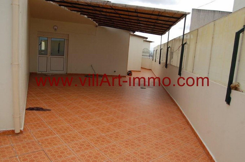 Location d un spacieux appartement meubl avec tr s grande for Location d appartement meuble