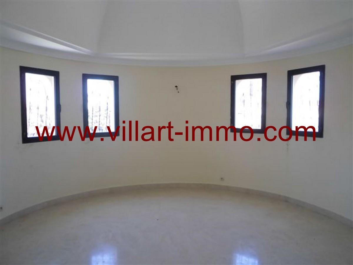 8-Vente-Villa-Tanger-Malabata-Salon 5-VV140-Villart Immo