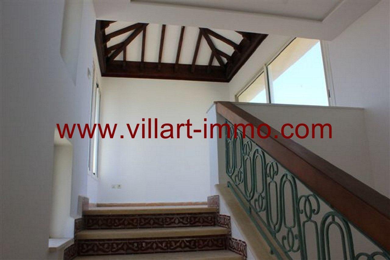 9-vente-villa-tanger-malabata-escaliers-vv339-villart-immo