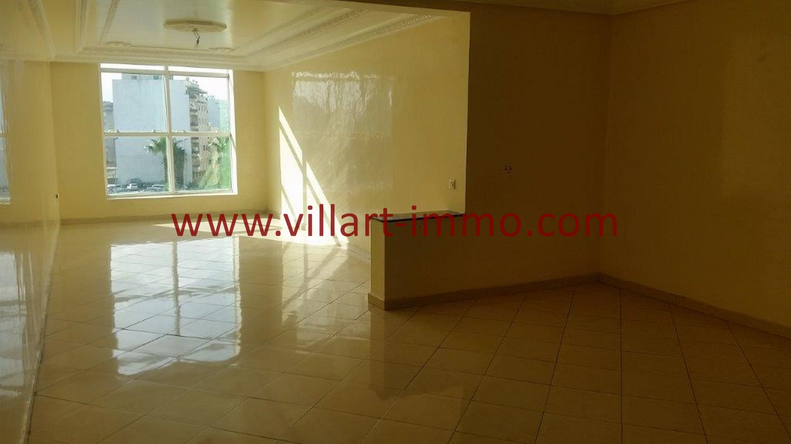 1-A louer-Tanger-Appartement-Non meublée-Centre ville-Salon-L1029