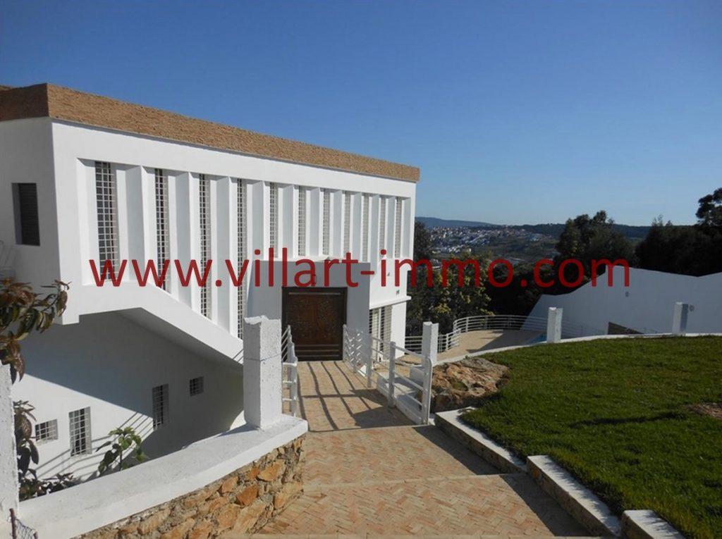 Location villa tanger non meubl e tr s moderne avec tr s belle vue et piscine priv e villart for Villa tres moderne
