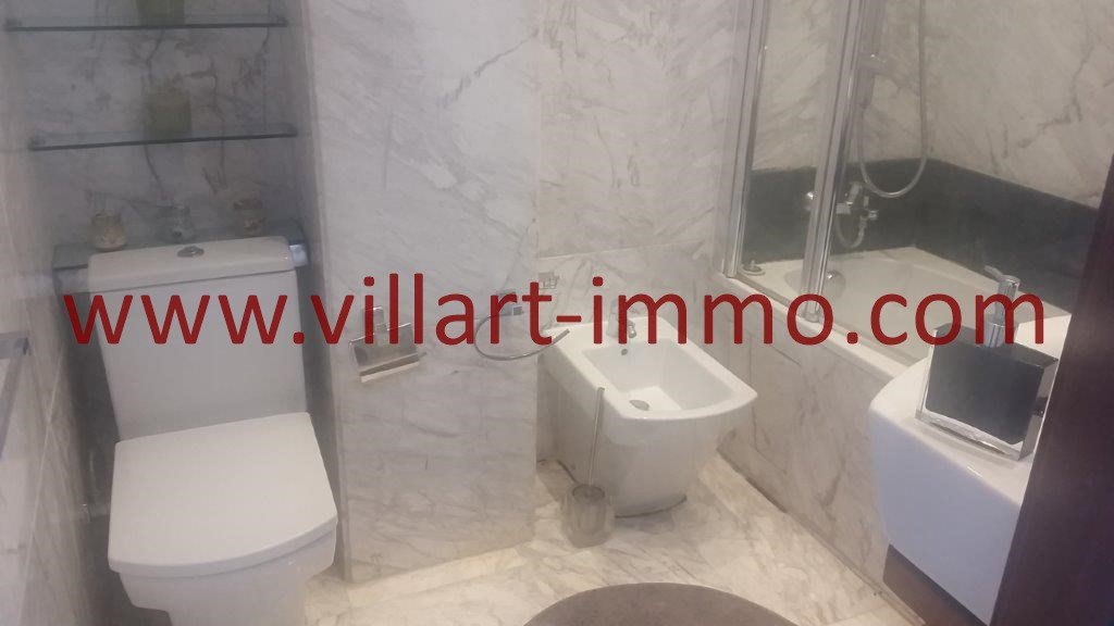 1111-For sale-Tangier-Apartment-City centre-Bathroom 1-VA612