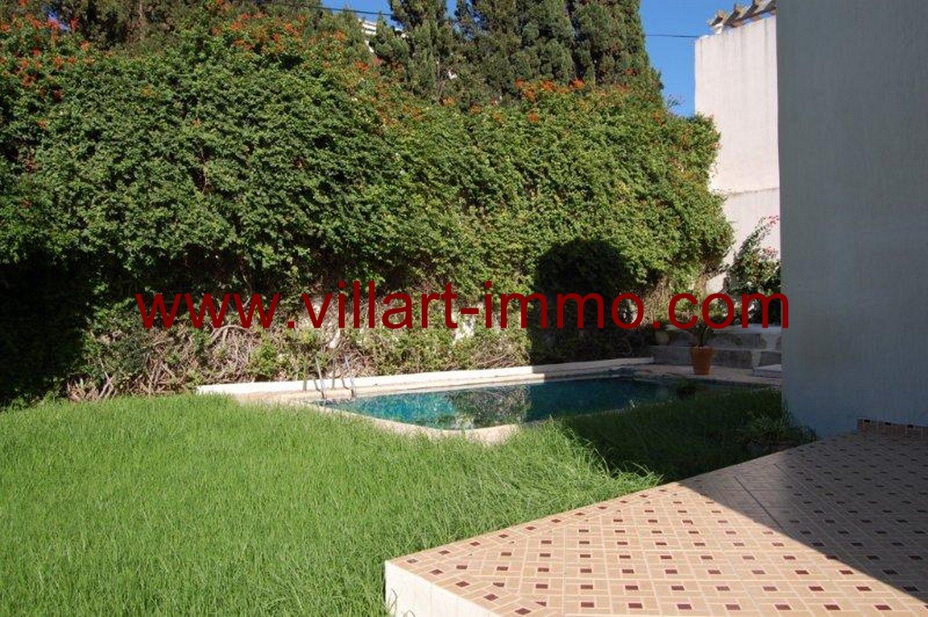 A louer belle villa non meubl e tanger avec piscine et for Location maison avec jardin 34