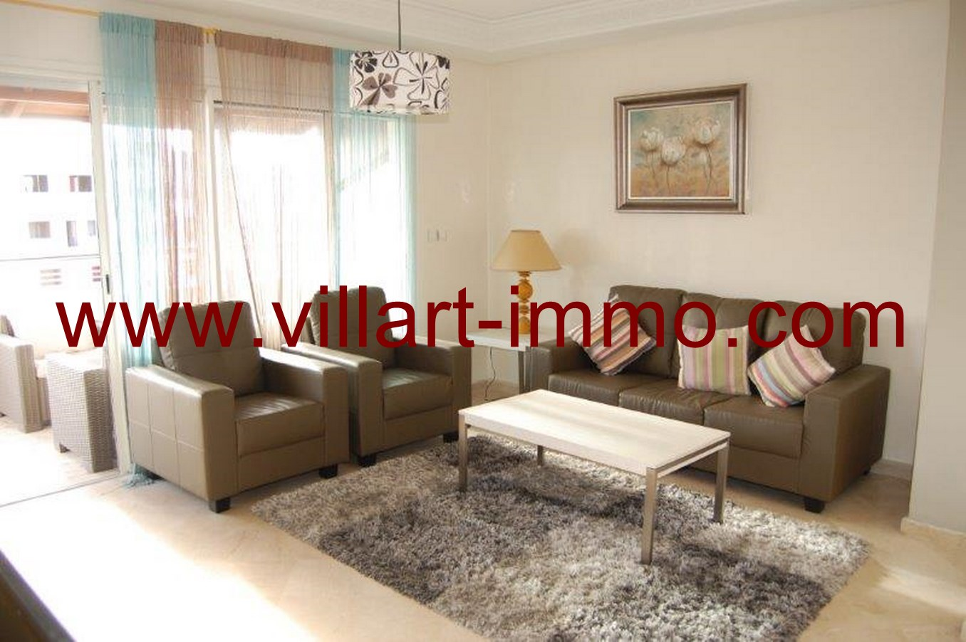 2-Location-Tanger-Appartement-Meublé-L622-Centre-Ville-Salon