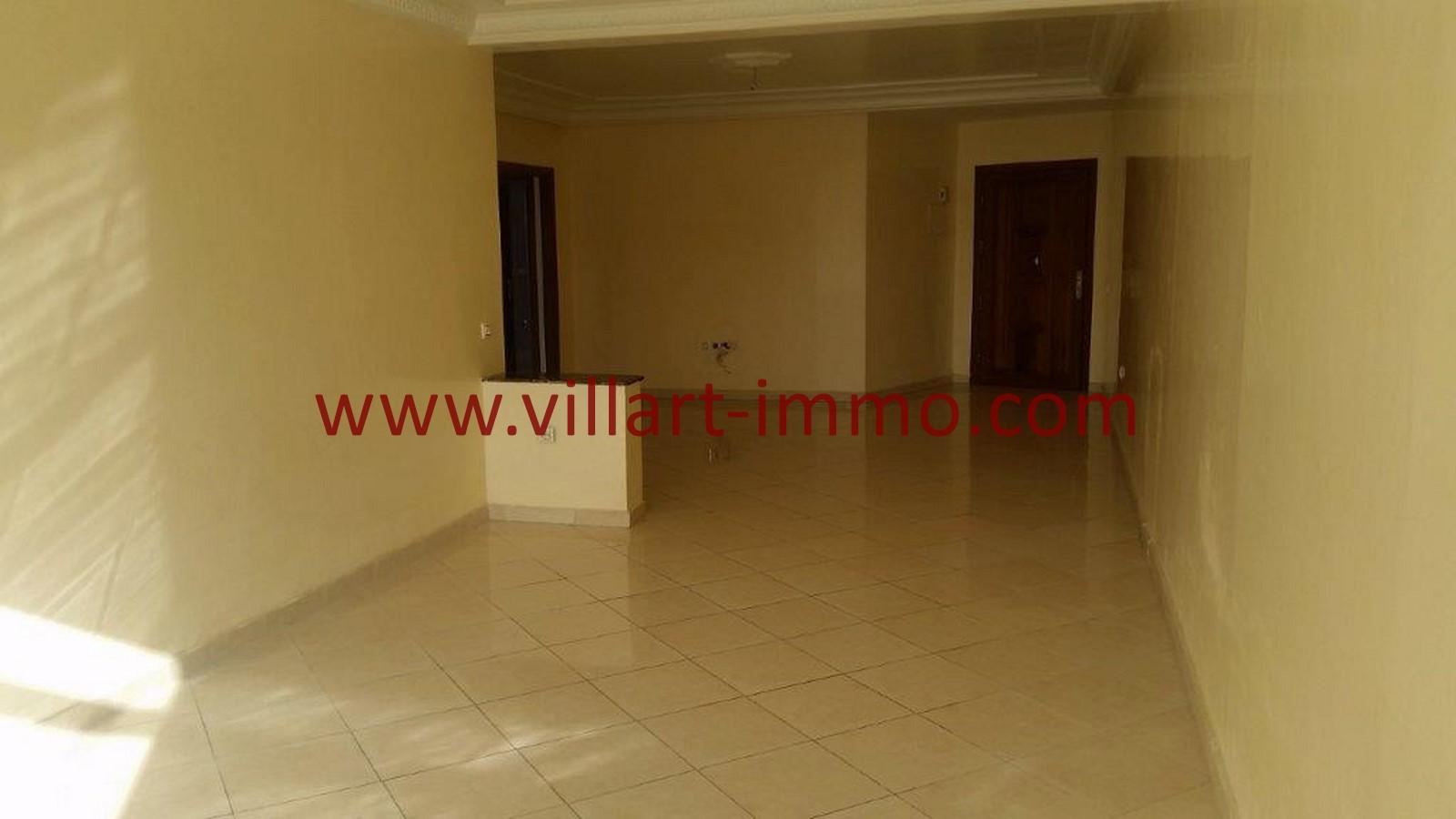 3-A louer-Tanger-Appartement-Non meublée-Centre ville-Salon-L1029