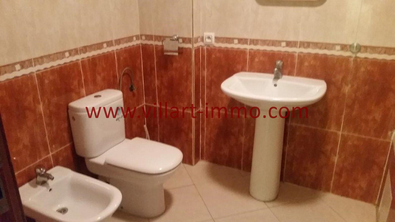 7-A louer-Tanger-Appartement-Non meublée-Centre ville-Salle de bain-L1029