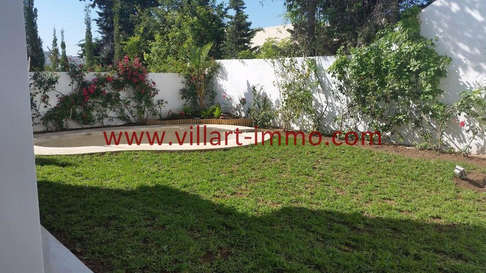 Magnifique villa louer avec piscine tanger dans for Villa a louer a casablanca avec piscine