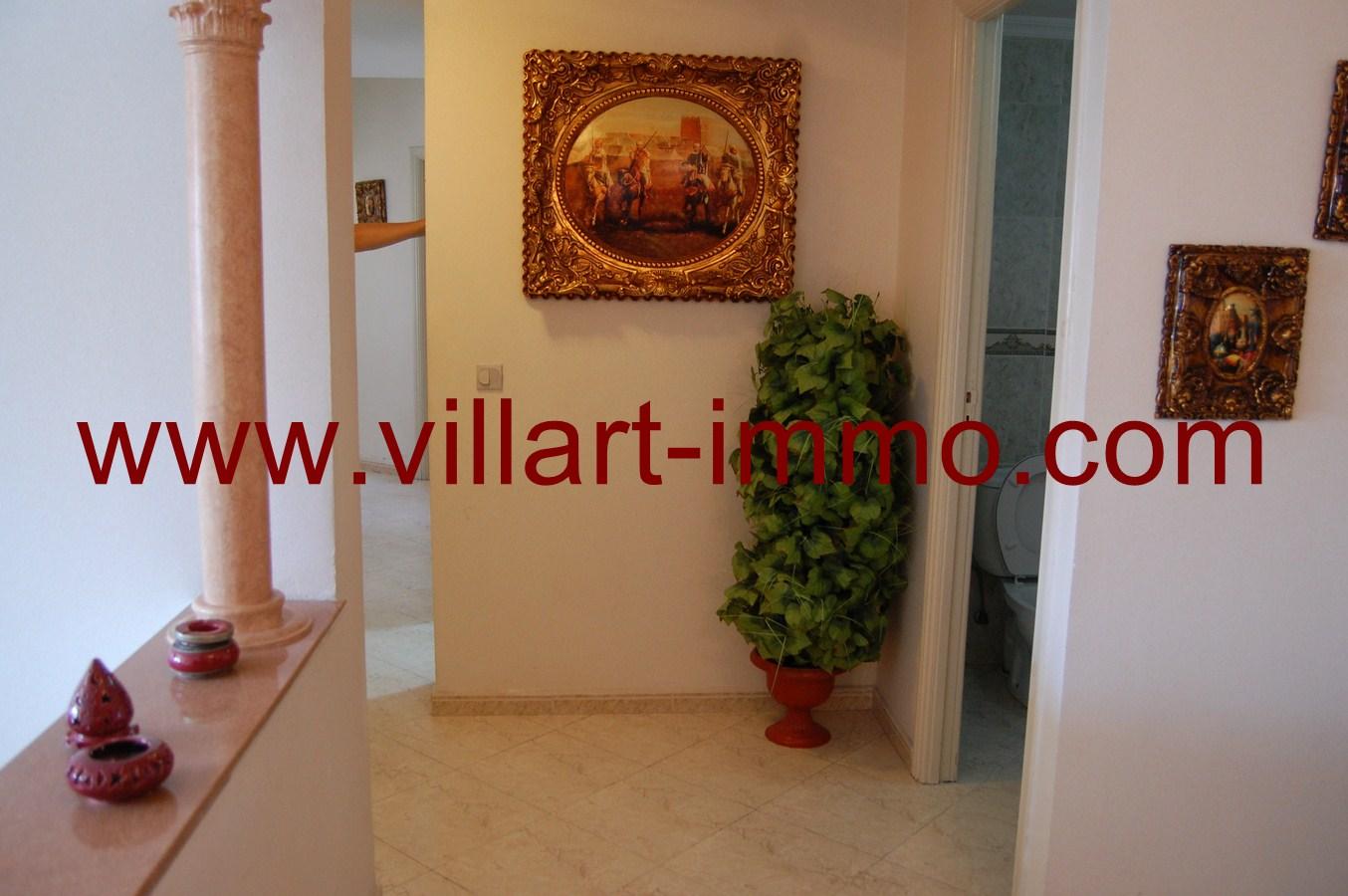 2-Location-Tanger-Appartement-Centre-ville-L449-Couloir