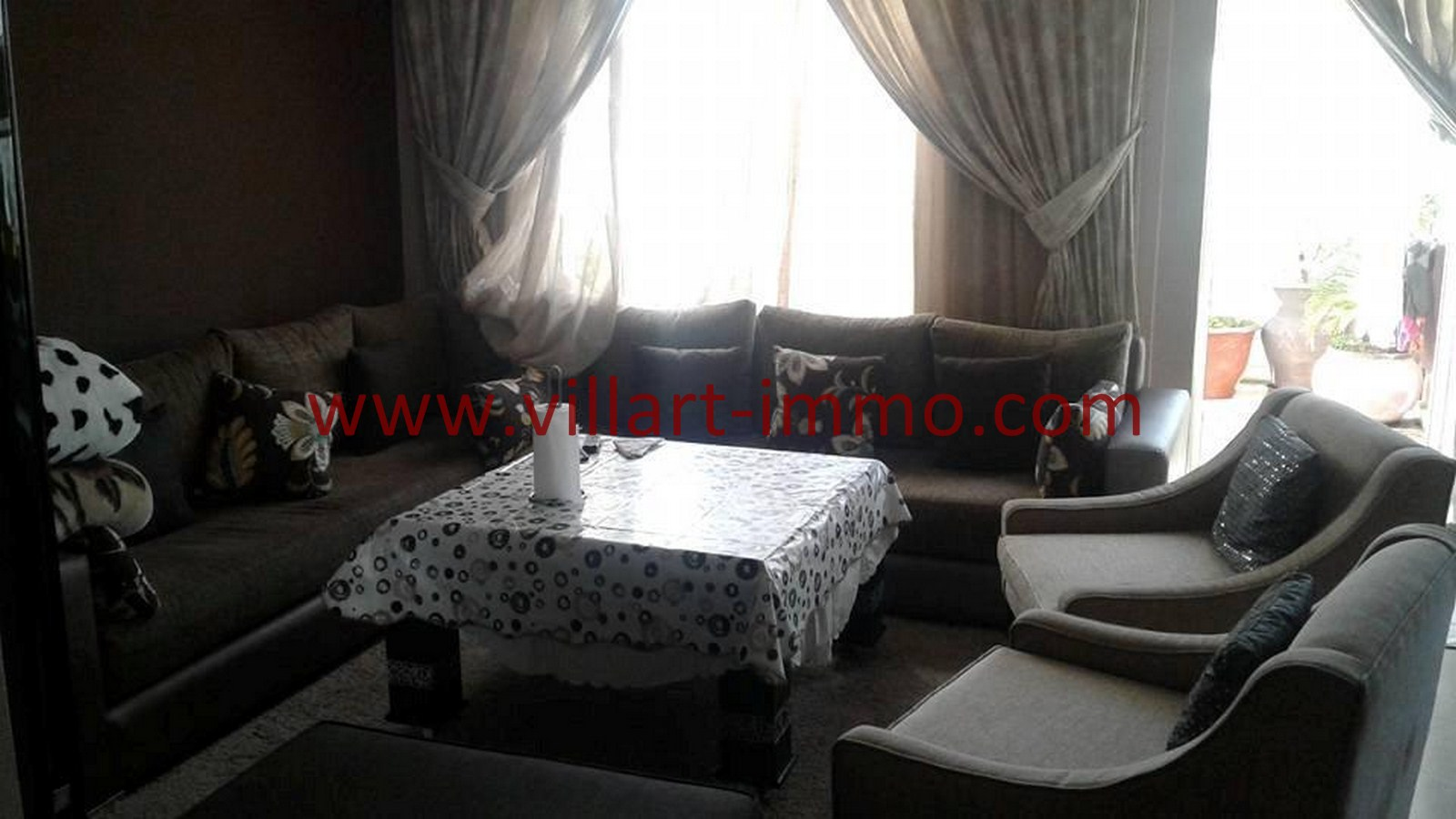 2-Vente-Appartement-Tanger-Route-de-Rabat-Salon 2-VA476-Villart Immo