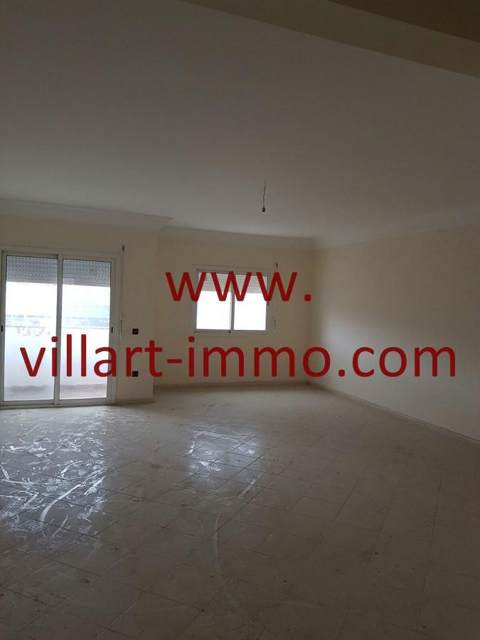 3-Vente-Appartement-Tanger-Mesnana-Salon 1-VA475-Villart Immo