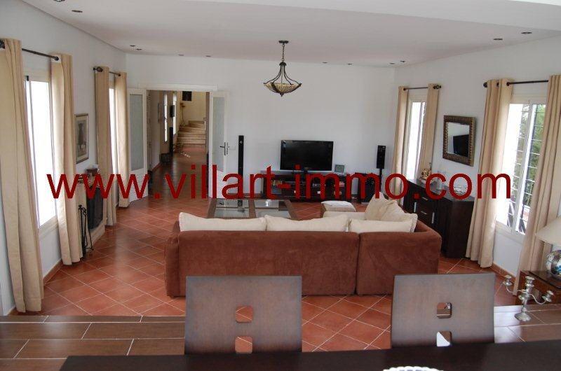 4-Location-Villa-Tanger-Achakar-Meublé-Salon-LV726-Villart immo