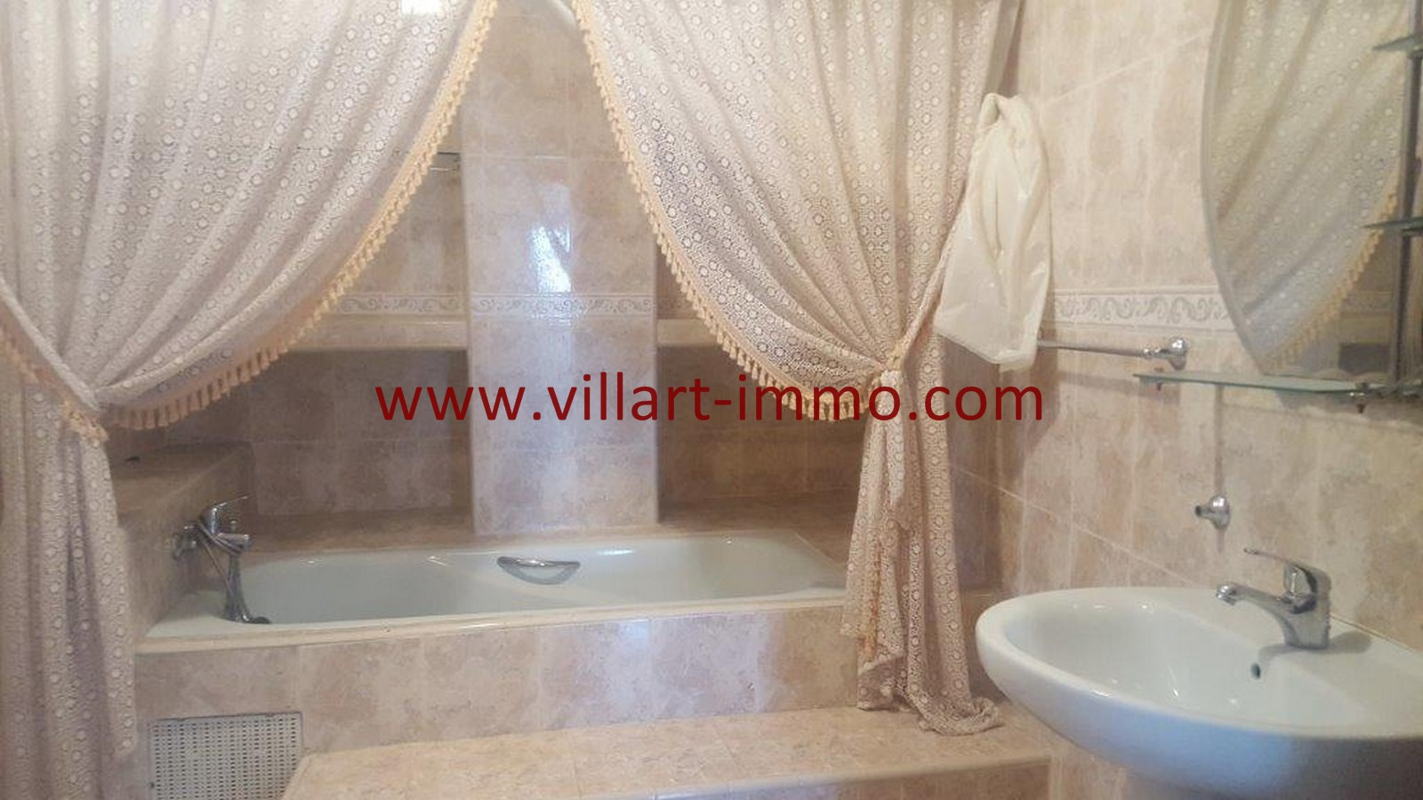 15-Vente-Villa-Tanger-Moujahidin-salle de Bain 3-VV491-Villart Immo
