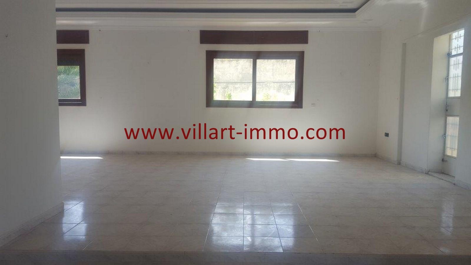 2-Vente-Villa-Tanger-Moujahidin-Salon 1-VV491-Villart Immo