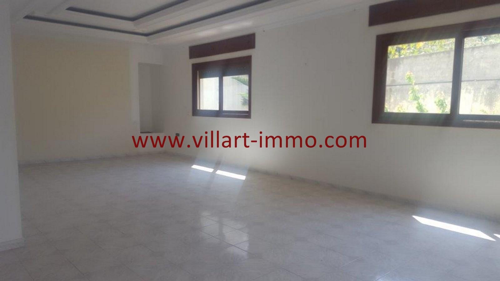 3-Vente-Villa-Tanger-Moujahidin-Salon 2-VV491-Villart Immo
