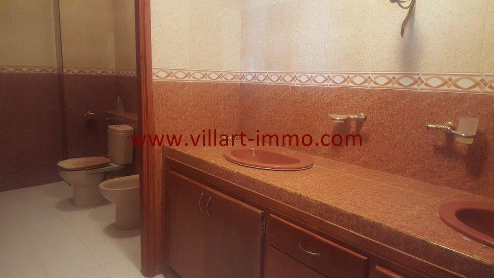 4-Vente-Villa-Tanger-Moujahidin-salle de Bain 1-VV491-Villart Immo