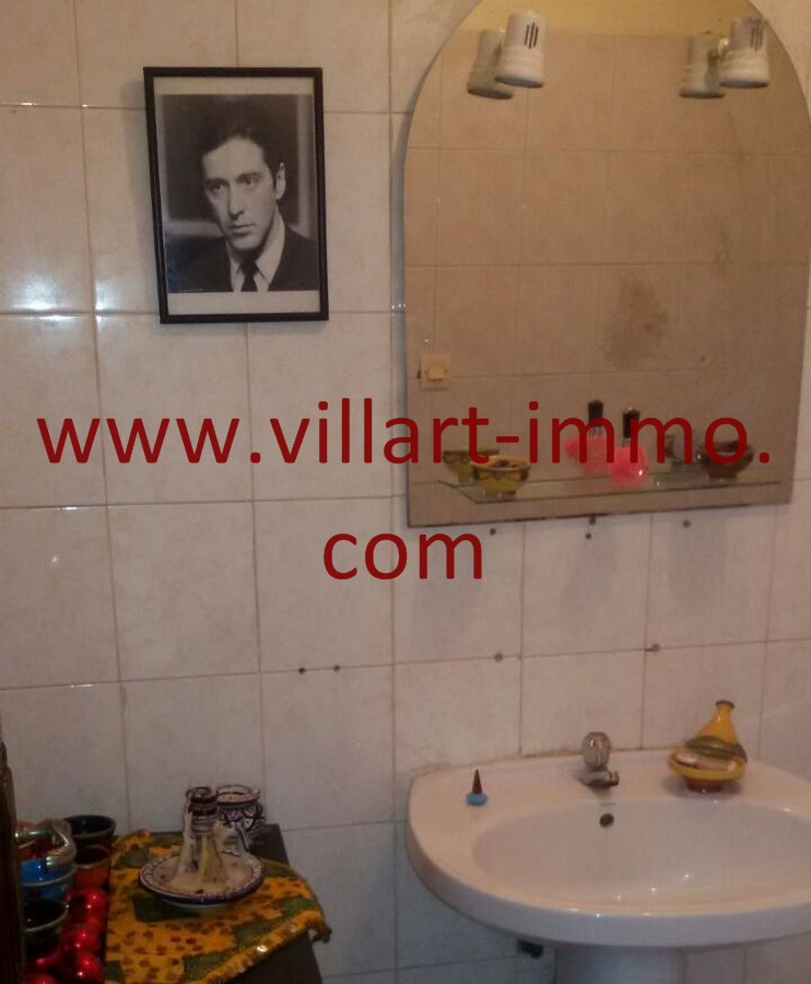12-Vente-Duplex-Tanger-Nejma-Toilette-VA498-Villart Immo