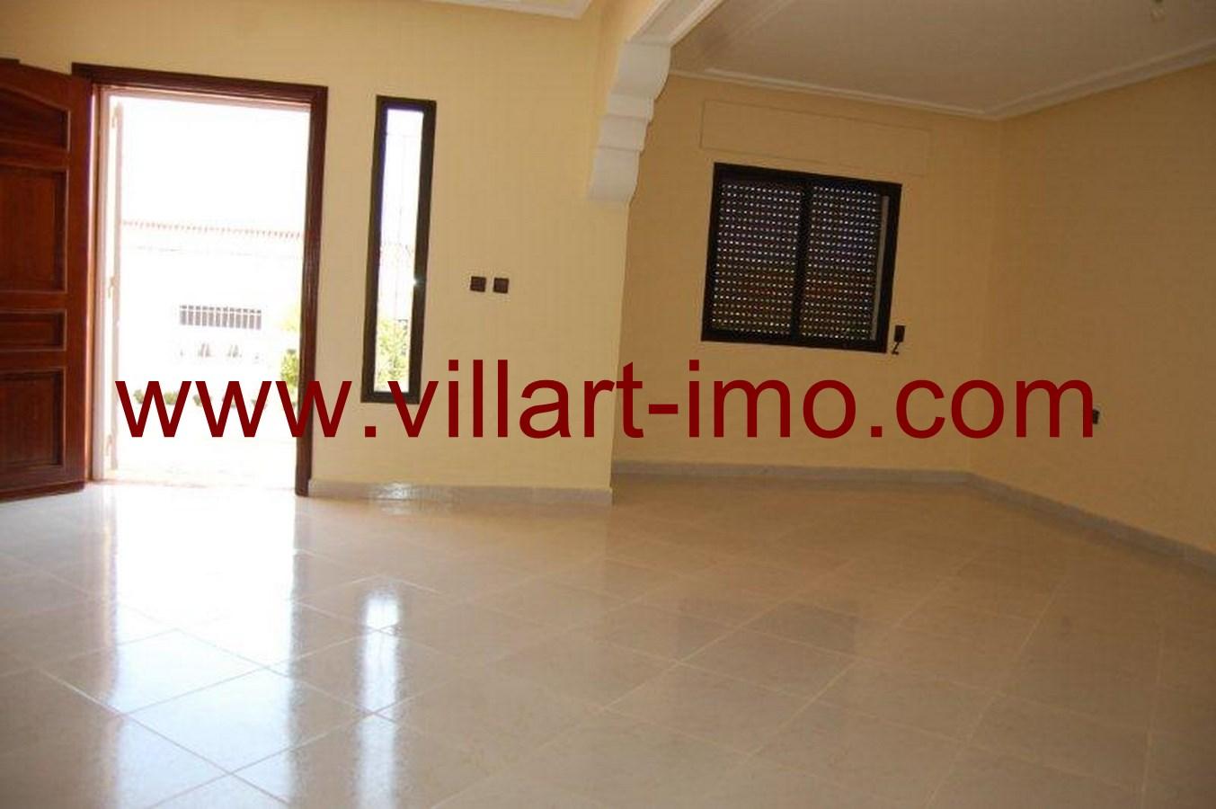 2-Vente-Villa-Tanger-Boubana-Salon-VV493-Villart Immo