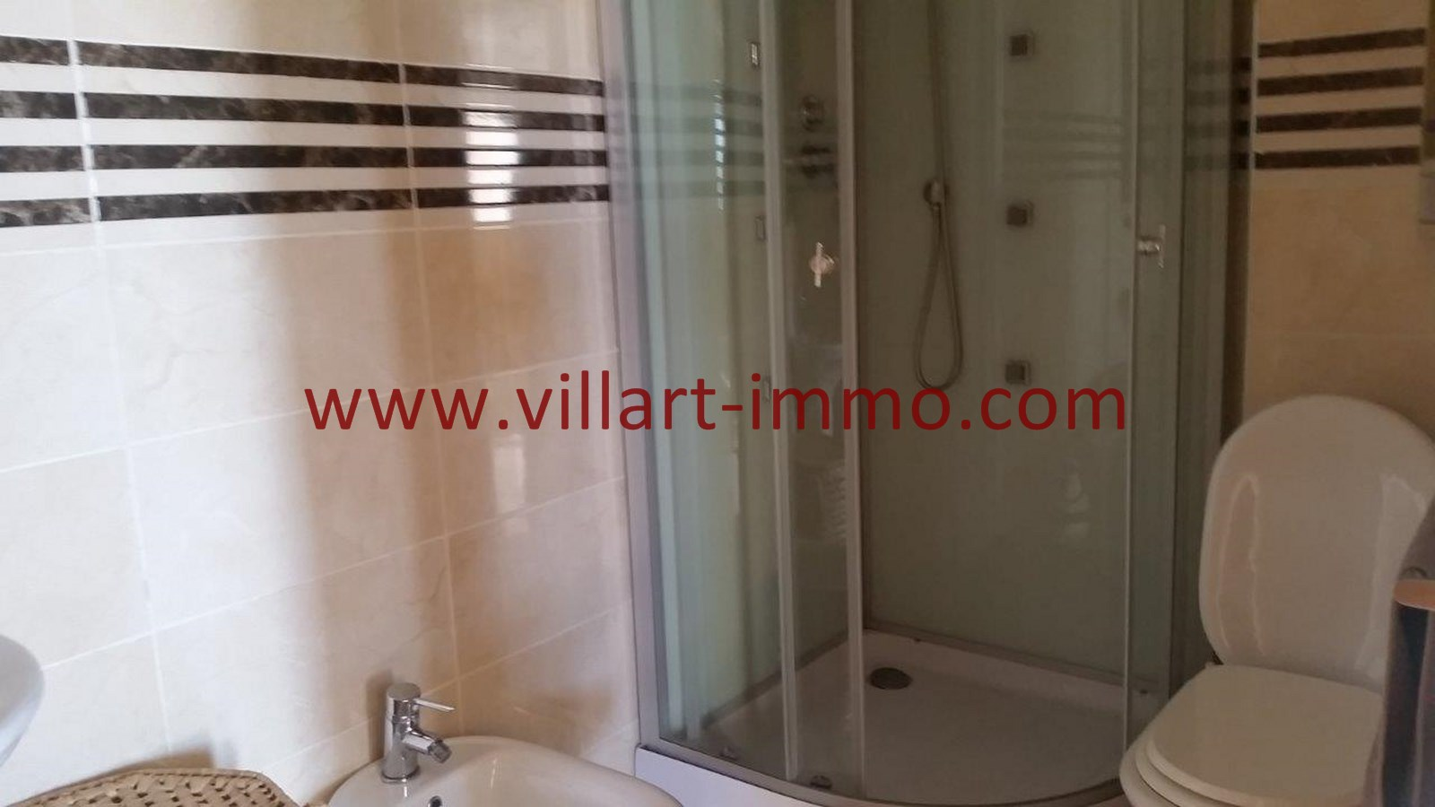 6-Location-Appartement-Meublé-Achakar-Tanger-Salle de bain 1-L831-Villart immo