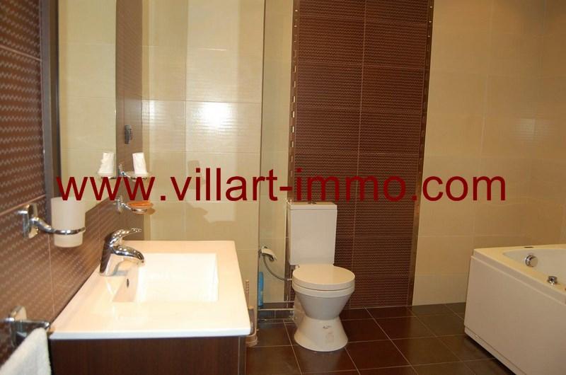 6-Location-Appartement-meublé-Tanger-Sale de bain 2 - L55-Villart-Immo
