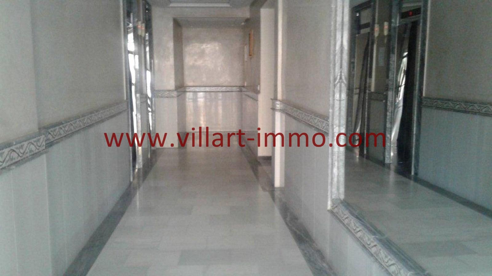 7-A louer-Appartement-Tanger-Castilla-Entrée-L1040-Villart immo-Agence Immobilière
