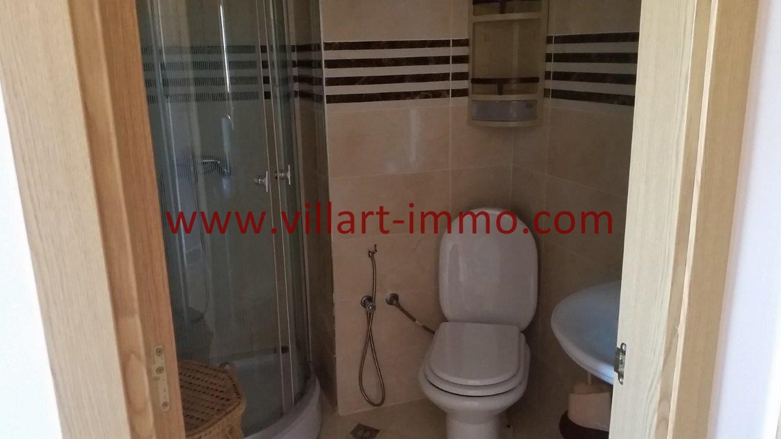8-Location-Appartement-Meublé-Achakar-Tanger-Salle de bain 2-L831-Villart immo