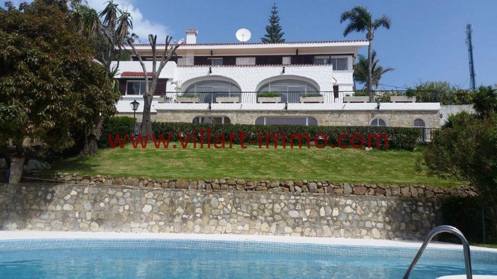 Magnifique villa avec vue fantastique 28 images a for Piscine mobile louer