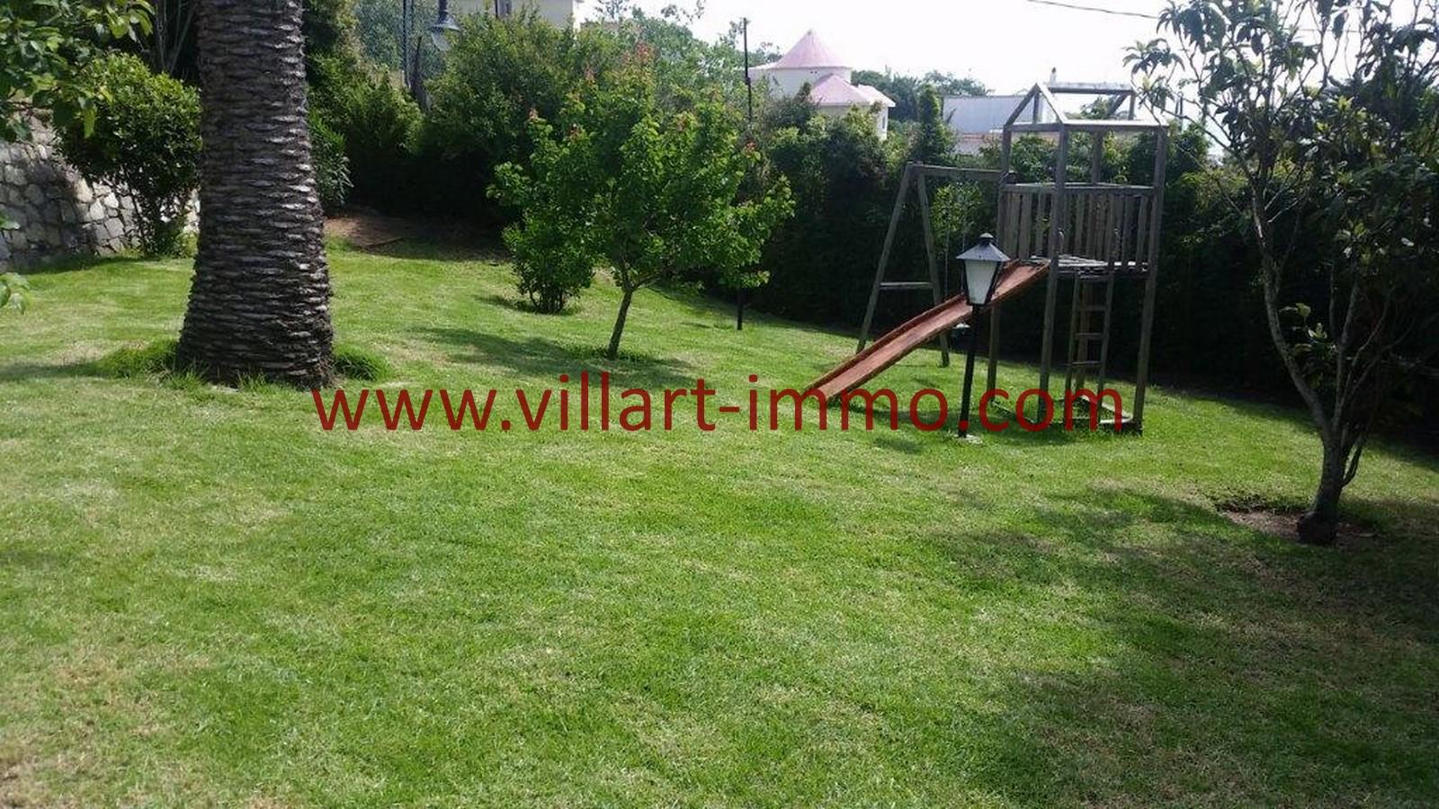 A louer tanger magnifique villa non meubl e avec piscine for Location non meublee