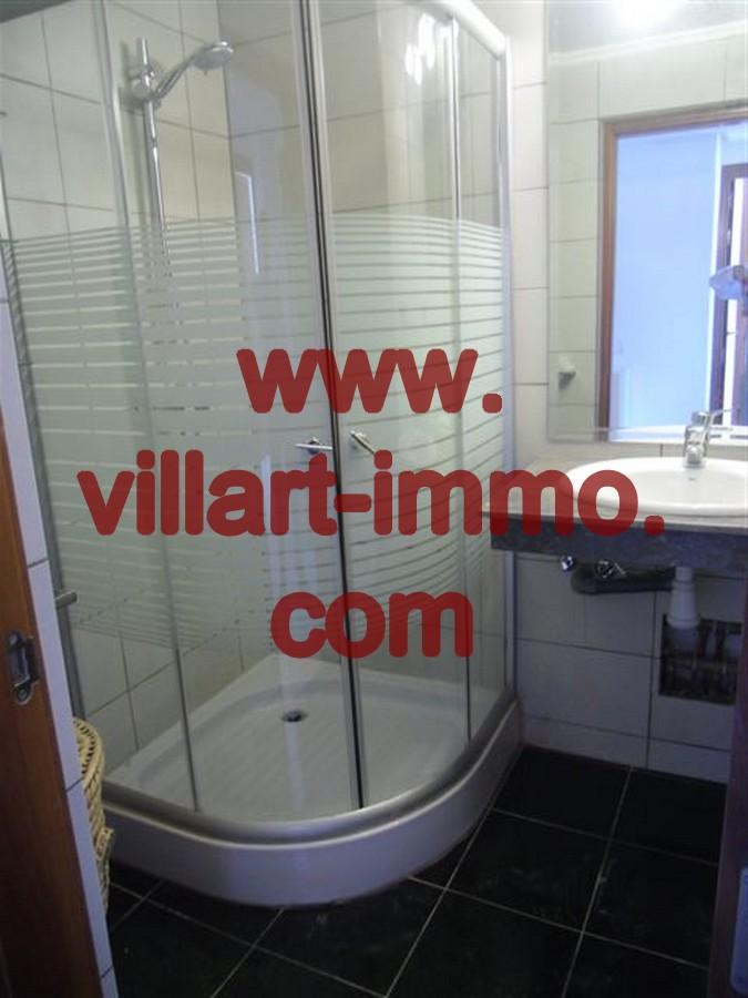 3-Location-Appartement-meublé-Tanger-Centre-Ville-Salle-De-Bain-L244-Villart-immo