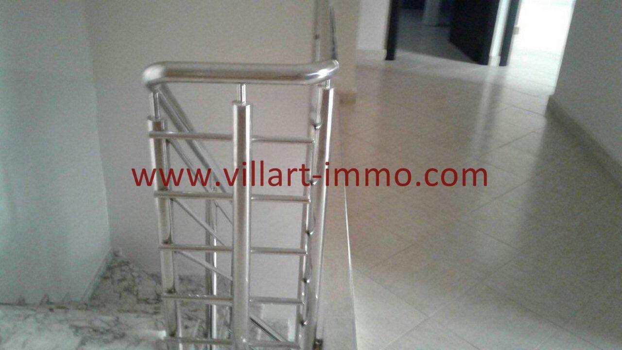 8-Vente-Duplex-Tanger-Route Rabat -Escalier-VA510-Villart Immo