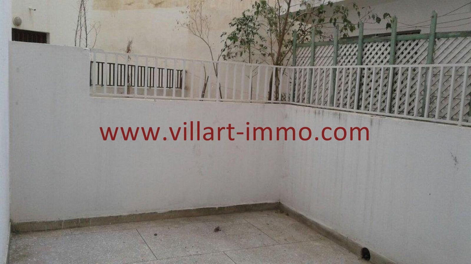 3-Vente-Bureau-Tanger-Centre-Ville-Cour 1-VLC515-Villart Immo