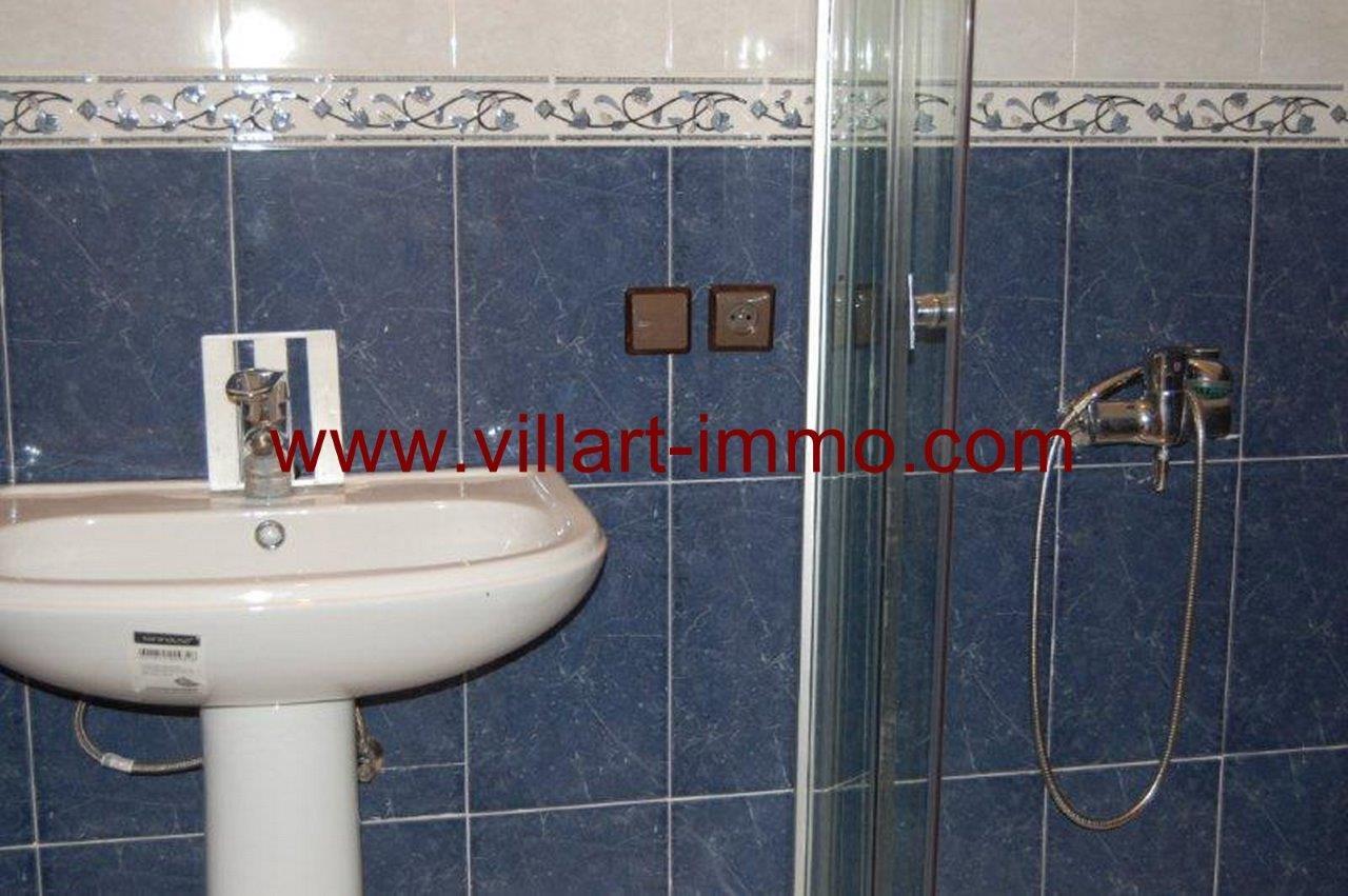 6-Vente-Appartement-Assilah-salle de bain -VA161-Villart Immo