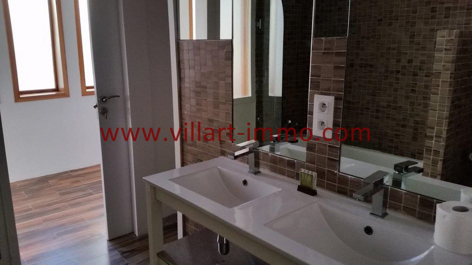 15-Vente-Appartement-Tanger-Centre-De-Ville-Salle de bain 2-VA518-Villart Immo