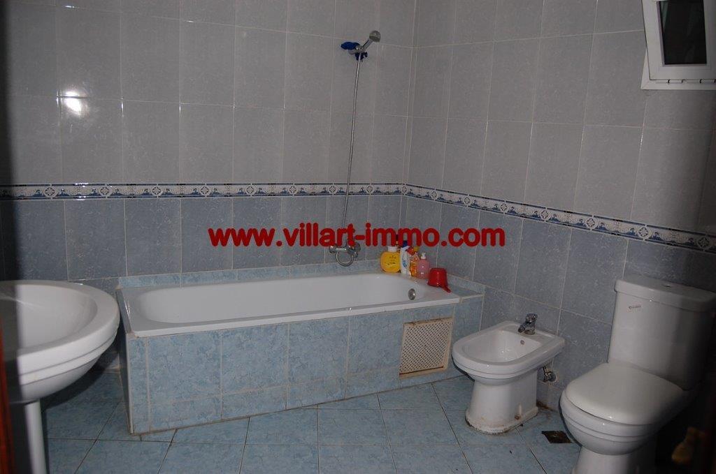 9-Location-Appartement-Non meublé-Centre ville-Salle de bain-Agence immobiliere-Tanger-L1054