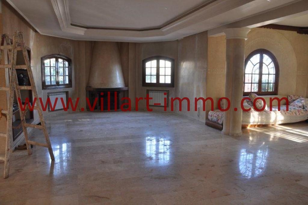 2-Location-villa-Tanger-non meublée-Boubana-Salon-LV152