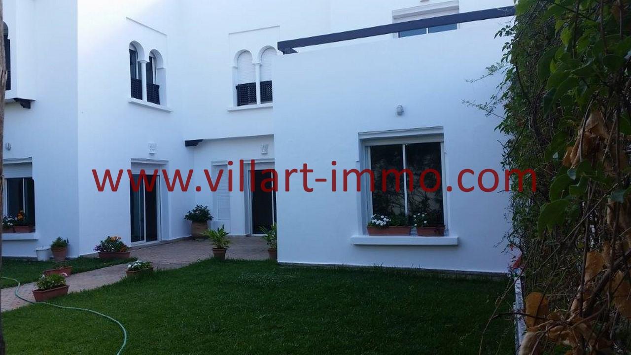 A louer tanger villa type riad non meubl dans complexe for Villa a louer a casablanca avec piscine