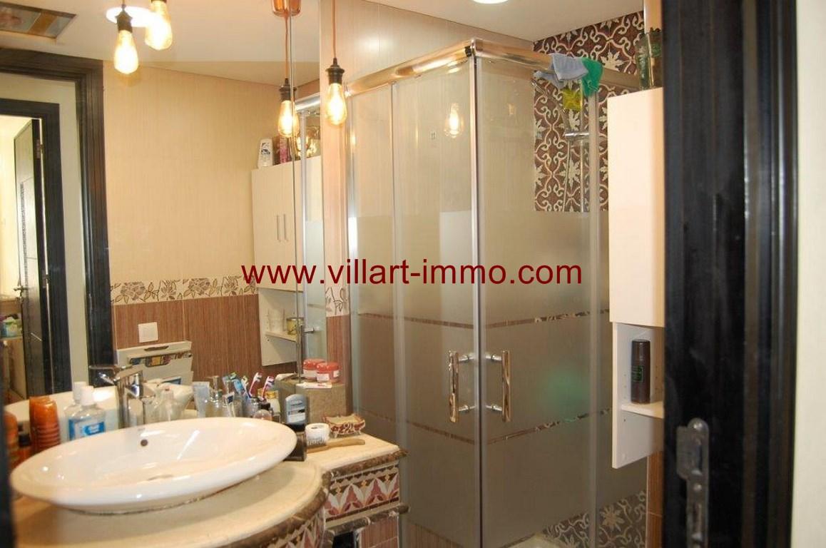11-Location-appartement-meublé-F4-salle de bain-centre ville-agence immoniliere-Villart immo-L1079 (Copier)