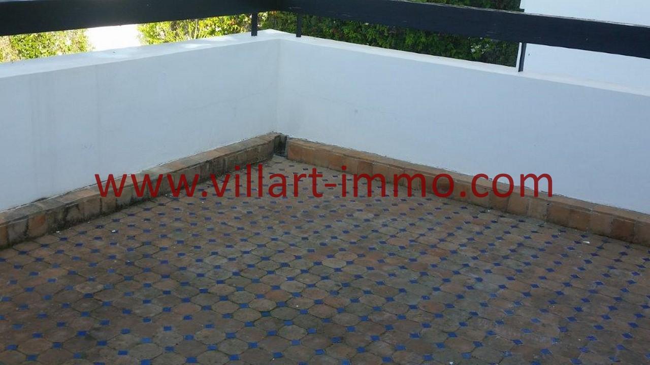 12-A louer-Tanger-Villa-Non meublée-Malabata-Terrasse chambre-LV1078