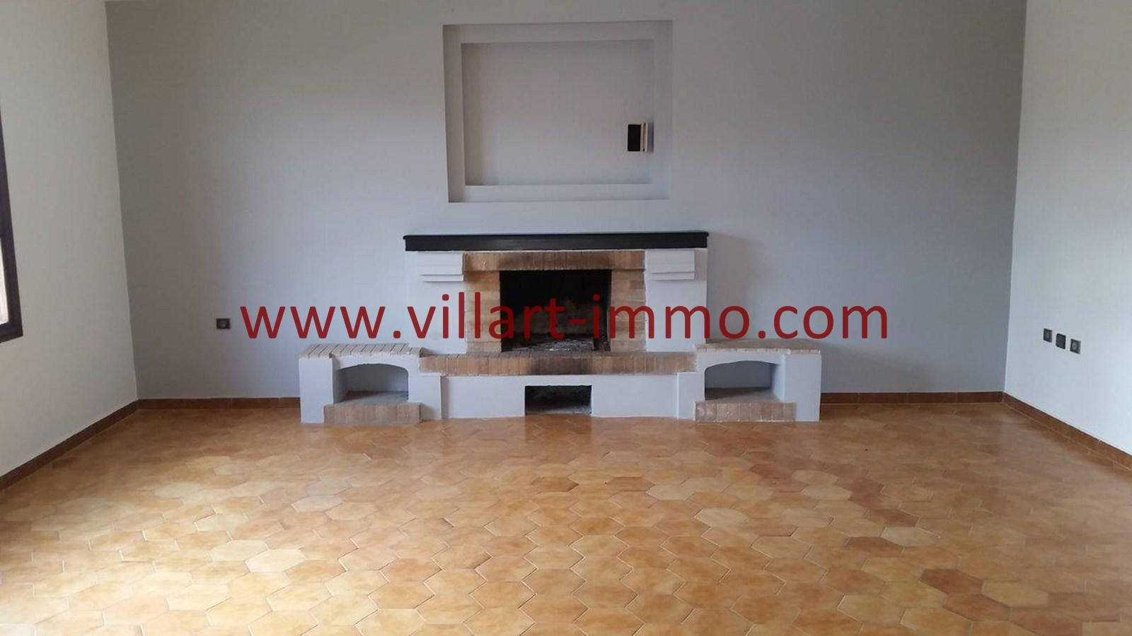 2-Vente-Villa-Tanger-Salon 1-VV528-Villart Immo