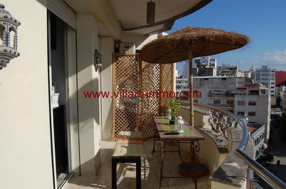 5-Location-appartement-meublé-F4-terrasse-centre ville-agence immoniliere-Villart immo-L1079 (Copier)