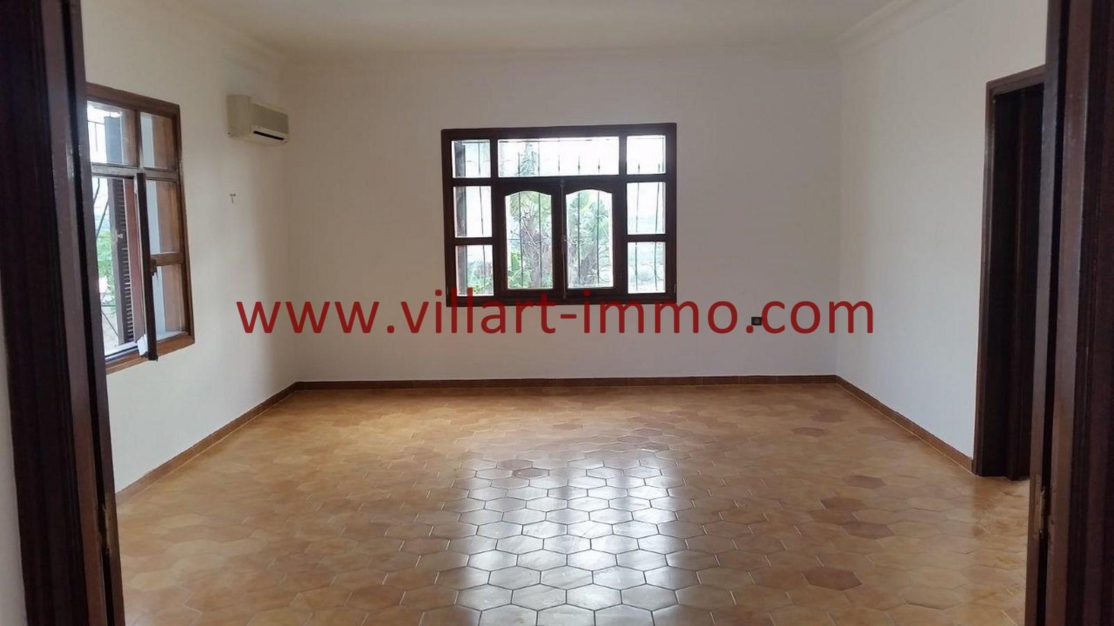 5-Vente-Villa-Tanger-Salon 4-VV528-Villart Immo