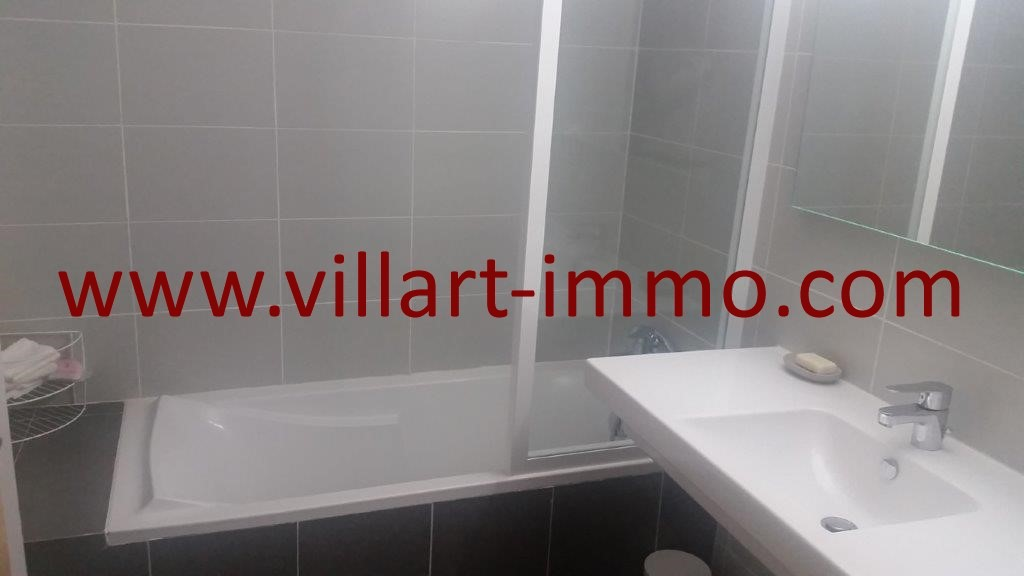 9-Location-Appartement-Tanger-Centre ville-Salle de bain 1-L1074 (Copier)