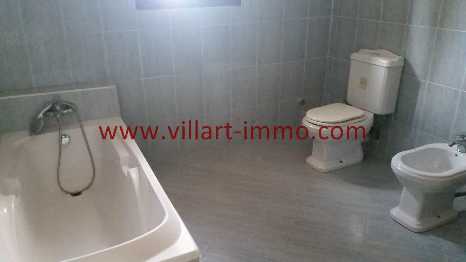 9-Vente-Villa-Tanger-salle de bain 1-VV528-Villart Immo