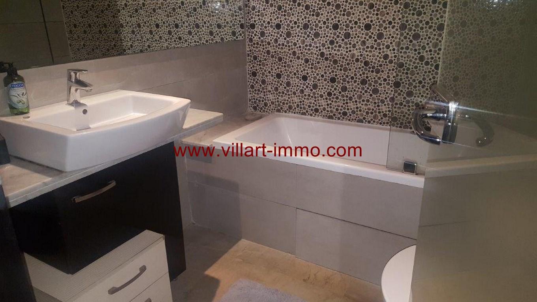 10-Location-Appartement-Meublé-F4-Malabata-Salle de bain-Agence Immobiliére-L1082 (Copier)