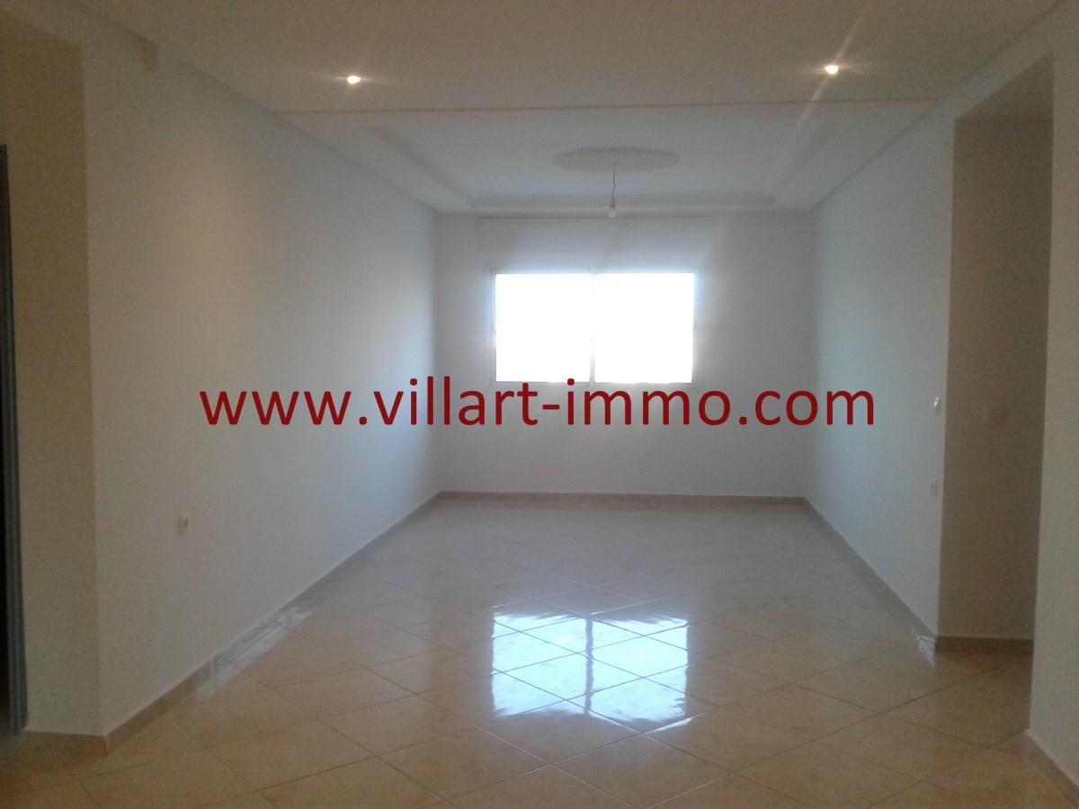 2-Vente-Appartement-Val fleuri-Tanger-Salon 1-VA536-Villart Immo